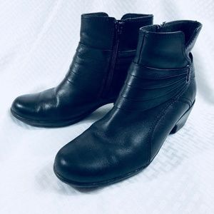 Clarks Ankle Boots Black Leather Size 6 1/2 M Wome